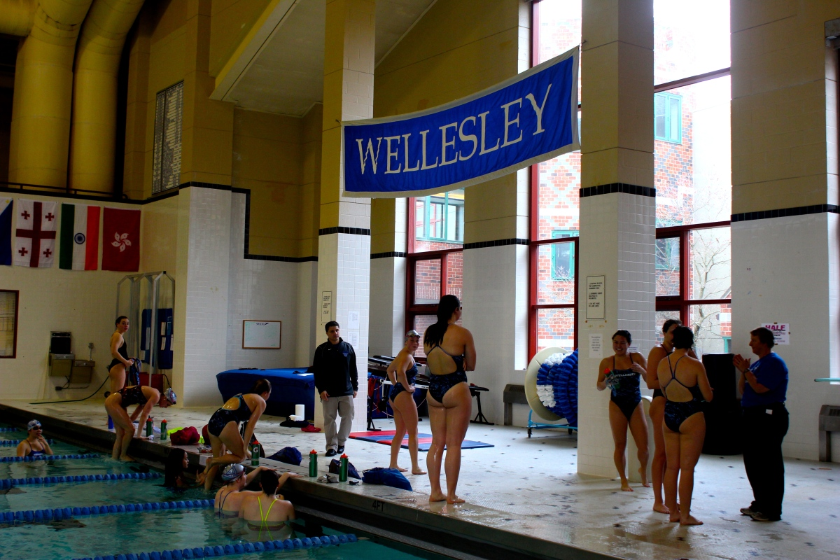 Swimming And Diving Is Ready To Make Waves The Wellesley News